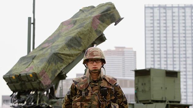 Japón revisará su tratado de exportación de armas a pesar del recelo de China