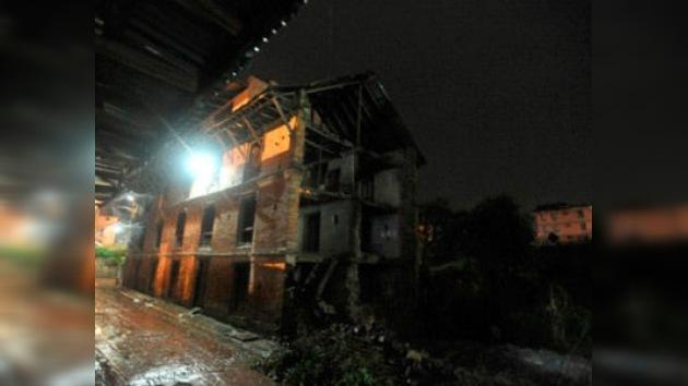 Un sismo de 6,8 grados sacude Nepal y el noroeste de la India