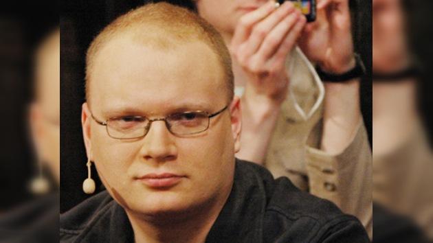 Famoso periodista político, grave tras recibir una brutal paliza en Moscú