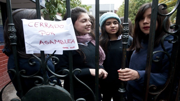 """Estudiantes chilenos anuncian un """"nuevo estallido social"""""""
