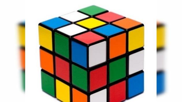 Robot de Lego resuelve el cubo Rubik en 12 segundos