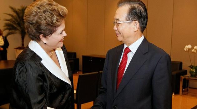 China y Brasil pasan del dólar