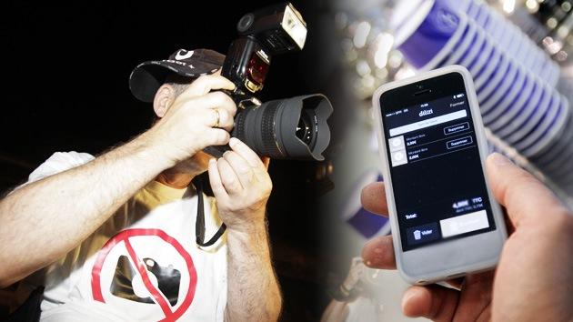 La cámara de su móvil podría estar espiándole