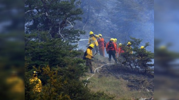 Gobierno chileno pide ayuda internacional por incendio en la Patagonia