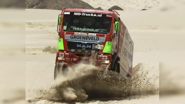 Suspenden la sexta etapa del Dakar por mal tiempo