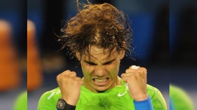 Nadal derriba a Federer y espera rival en la final del Abierto de Australia