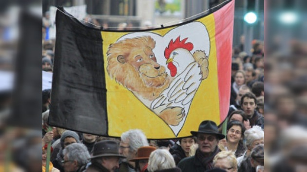 """Bélgica alcanza al récord mundial de la """"crisis política más larga"""""""