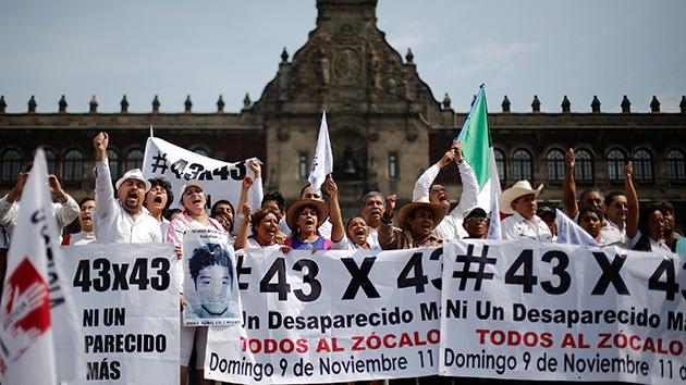 México: Termina la marcha de 7 días por los 43 desaparecidos tras violentas protestas