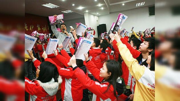 Gritar entre la multitud: método de moda para aprender inglés en China