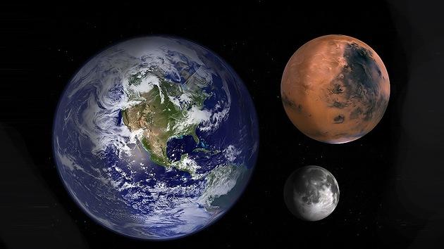 """Astronauta canadiense: """"Olvídense de Marte, debemos colonizar primero la Luna"""""""