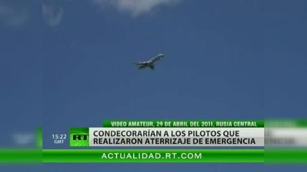 Dos pilotos rusos serán condecorados por un exitoso aterrizaje forzoso