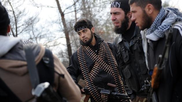 Grupos de rebeldes sirios emprenden una ofensiva contra Damasco