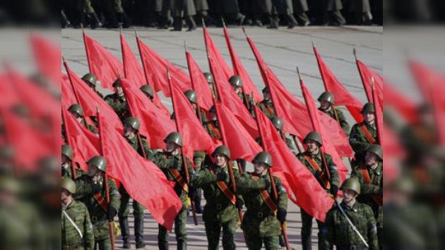 Ensayo del desfile del Día de la Victoria en las afueras de Moscú
