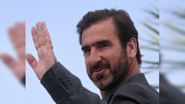 El ex futbolista Eric Cantona dispuesto a salvar la patria
