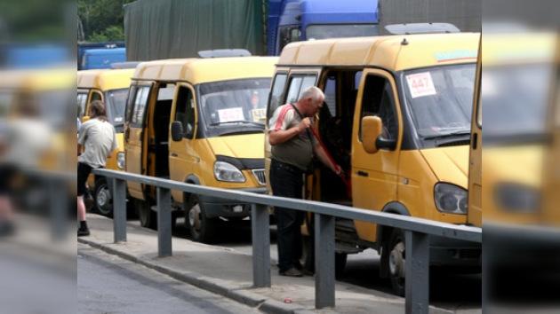 Prohíben a compañías de transporte privadas de Moscú emplear a inmigrantes