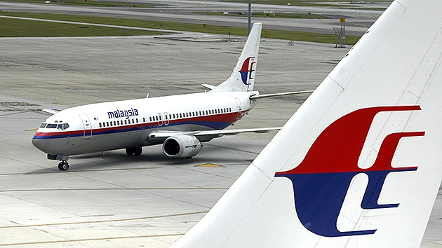 La Interpol descarta un ataque terrorista en el desaparecido avión de Malaysia Airlines