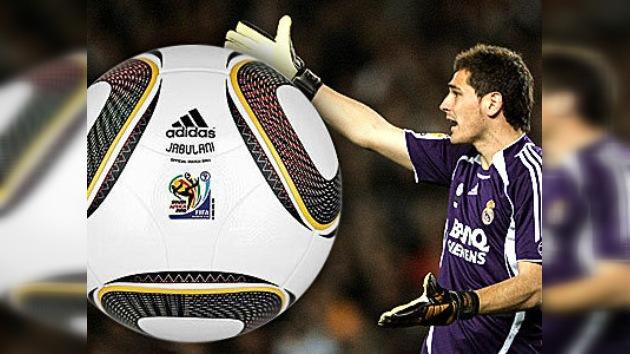 La pelota del Mundial 2010 provoca numerosas críticas