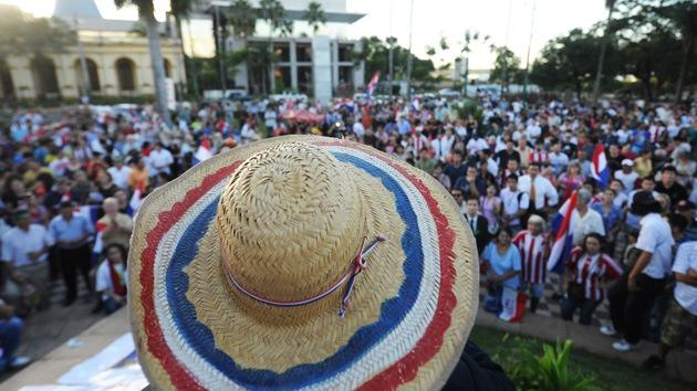 'Indignados' paraguayos presionan al Senado para que rechace una polémica ley