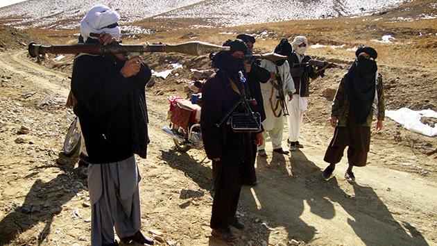 Afganistán: talibanes armados asaltan un hotel y torturan rehenes