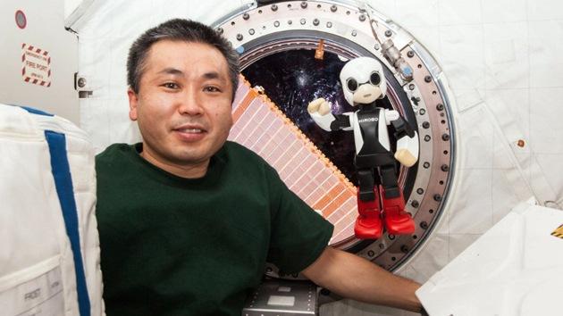 Video: Un astronauta y un robot hablan por primera vez en el espacio
