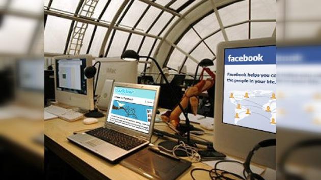 Economía británica sufre pérdidas por culpa de Facebook y Twitter