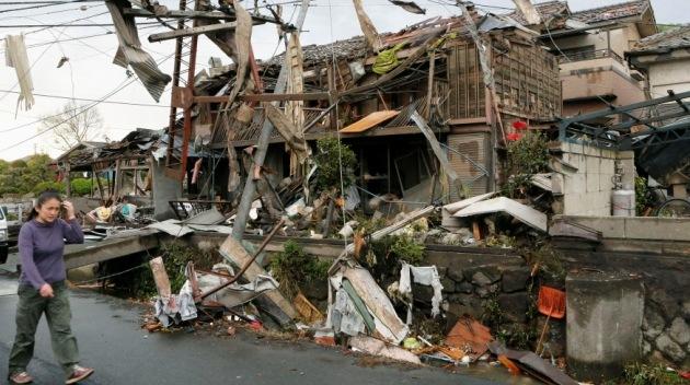 Un fuerte sismo en Japón provoca movimientos en edificios