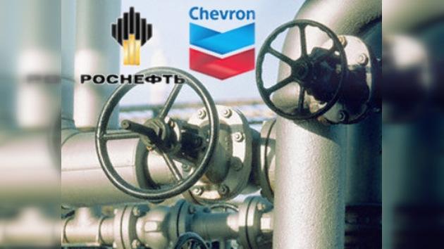 Rosneft y Chevron firman un acuerdo de explotación para el mar Negro