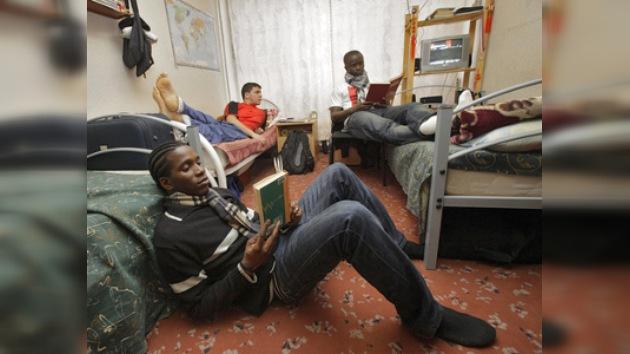 Estudiantes latinoamericanos se acostumbran a la vida en Moscú