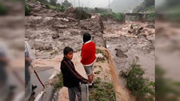 El desbordamiento del río Quesermayo deja al menos ocho muertos