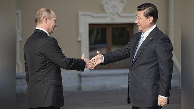 Europeos y estadounidenses no quieren a Rusia o China como líderes mundiales