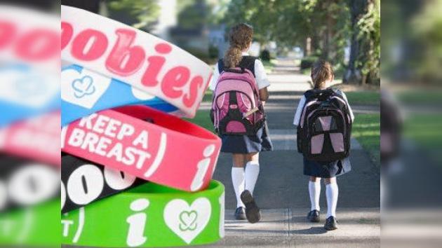 """En EE.UU. dos alumnas defienden las pulseras """"Me gustan las tetas"""""""