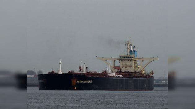 El secuestro de petrolero griego puede resultar una catástrofe ecológica