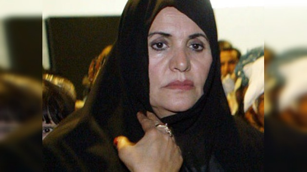 La esposa y tres hijos de Gaddafi están en Argelia