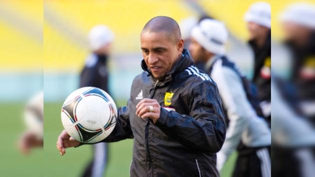 Roberto Carlos colgará los botines en un encuentro frente al Real Madrid