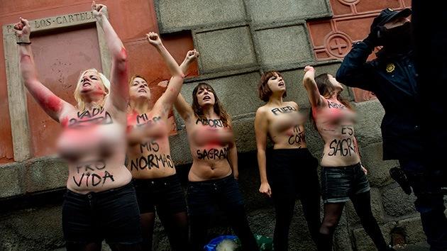 España: Abogados católicos demandan a 5 activistas de Femen por exhibicionismo