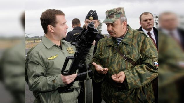 Las tres grandes debilidades del Ejército según Medvédev