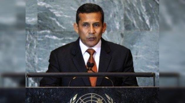 Ollanta Humala opina que hay que 'democratizar la democracia'