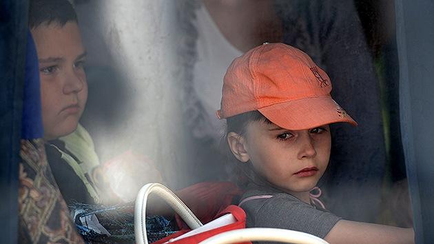 El Nobel de la Paz insta a Kiev que libre de la crisis a los niños del este de Ucrania