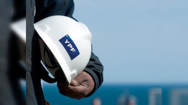 El destino de la petrolera YPF: entre manos privadas y nacionalización