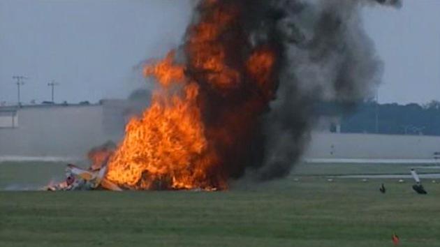 VIDEO: Un avión se ha incendiado y ha caído en medio de una maniobra en Dayton Air Show