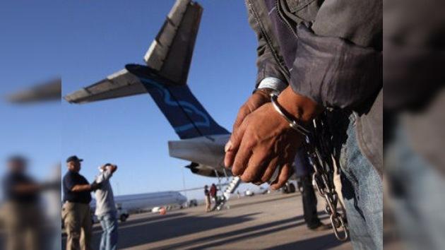 EE. UU. da alas a la deportación: los mexicanos sin papeles serán repatriados en aviones