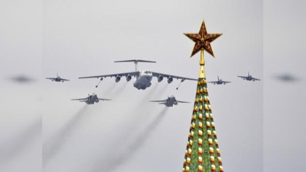 Realizan en Moscú el ensayo aéreo del desfile militar del 9 de mayo
