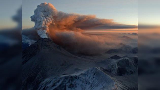 Erupción del volcán en Rusia es peligro para rutas aéreas