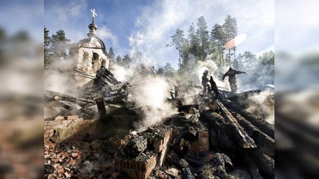 Se quema un templo donde se eliminaron los restos de la familia real rusa