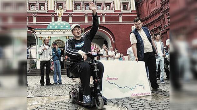 Atravesando Rusia de punta a cabo en silla de ruedas