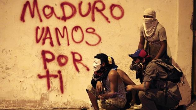 Autoridades venezolanas presentan pruebas de la oposición para asesinar a Maduro