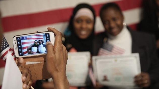 """EE.UU. abre la mano en inmigración, obviando el """"apoyo limitado"""" a terroristas"""