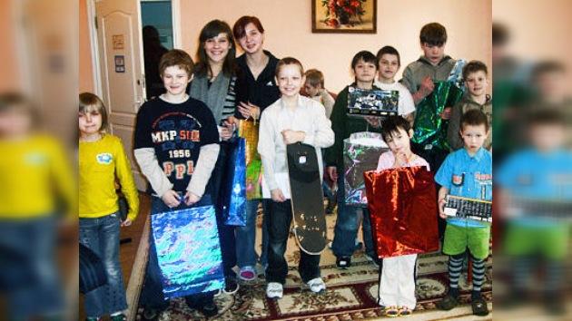 En Moscú más de 100 embajadas recaudan dinero para niños y ancianos