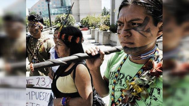 """Indígenas ecuatorianos en los tribunales para defender su """"cosmovisión y cultura"""""""