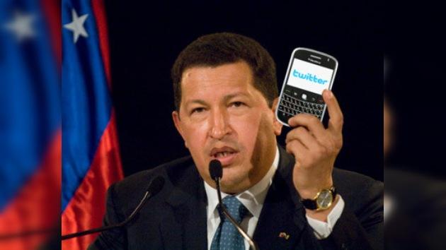 """Hugo Chávez trae la """"revolución"""" a Twitter"""